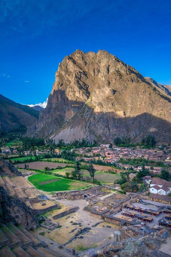 Incan Ollantaytambo - fördärvar och nyckeln till Machu Picchu i Peru royaltyfri bild
