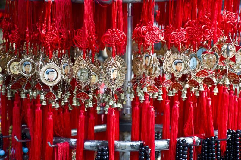 Incanti fortunati cinesi in un negozio fotografia stock