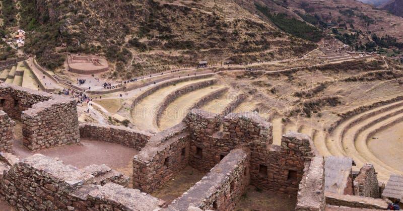 Incaruïnes in de heilige vallei, Pisac, de Peruviaanse Andes stock afbeeldingen