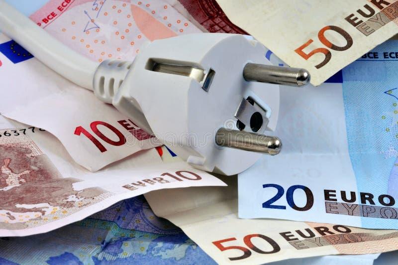 Incavo elettrico sulle euro banconote fotografie stock libere da diritti