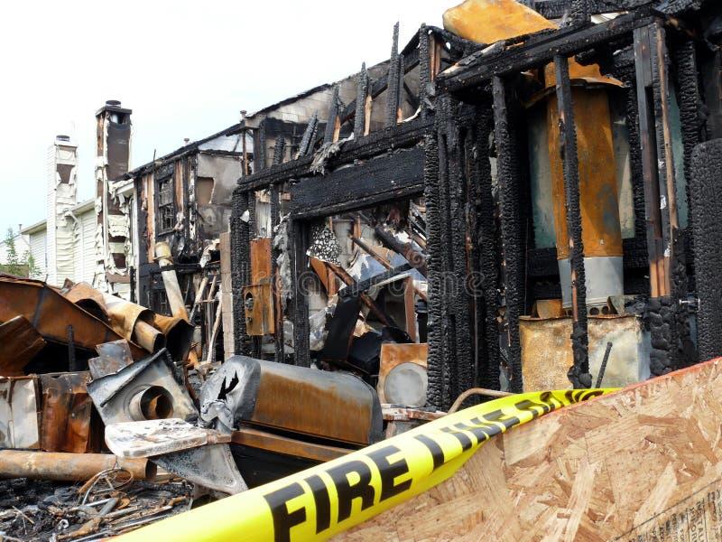 Incendie à la maison photo libre de droits