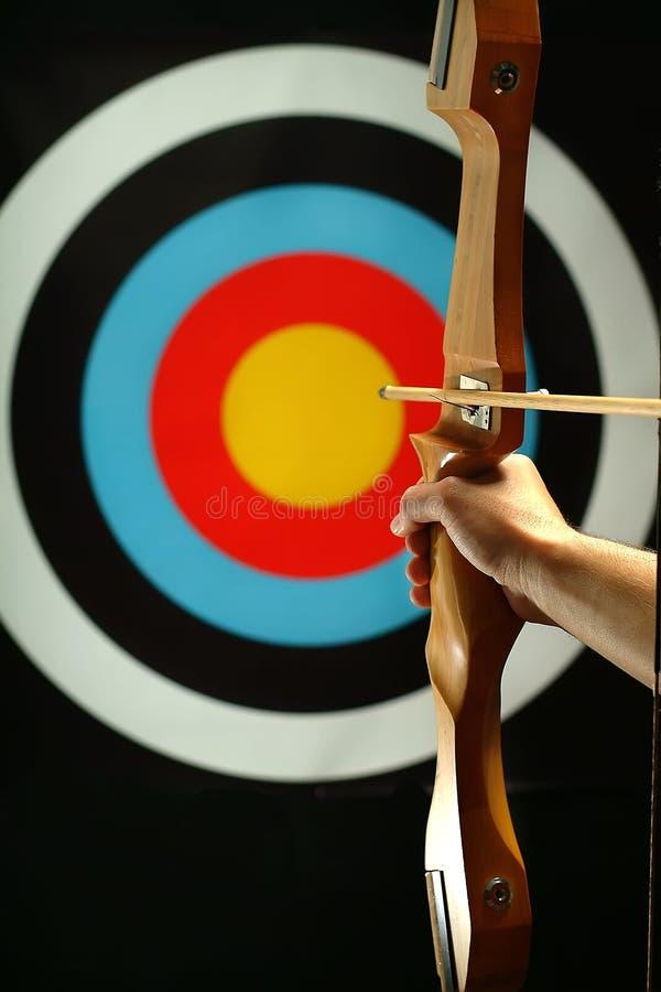 incendie d'archer préparant des sports à photographie stock