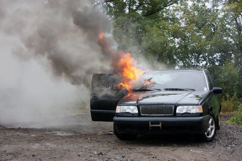 Incendie d'automobile. photographie stock libre de droits