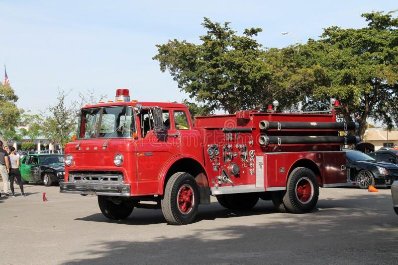 incendie d'engine vieux images stock