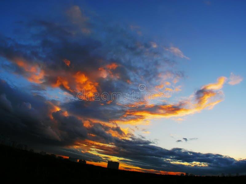 Incendie dans le ciel image libre de droits
