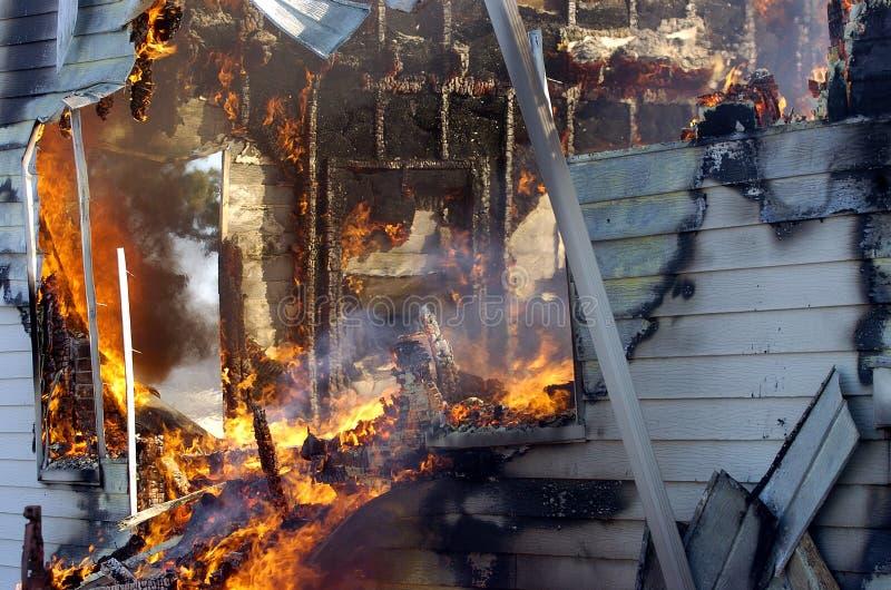 Incendie de construction photo libre de droits