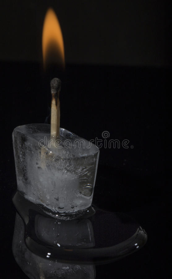 Incendie et glace photographie stock libre de droits