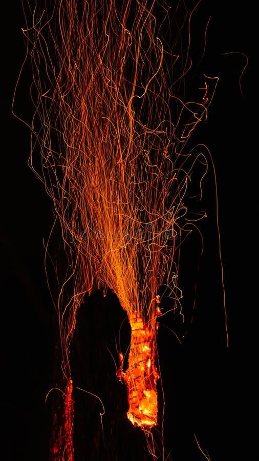 Incendio violento vulcanico immagini stock libere da diritti