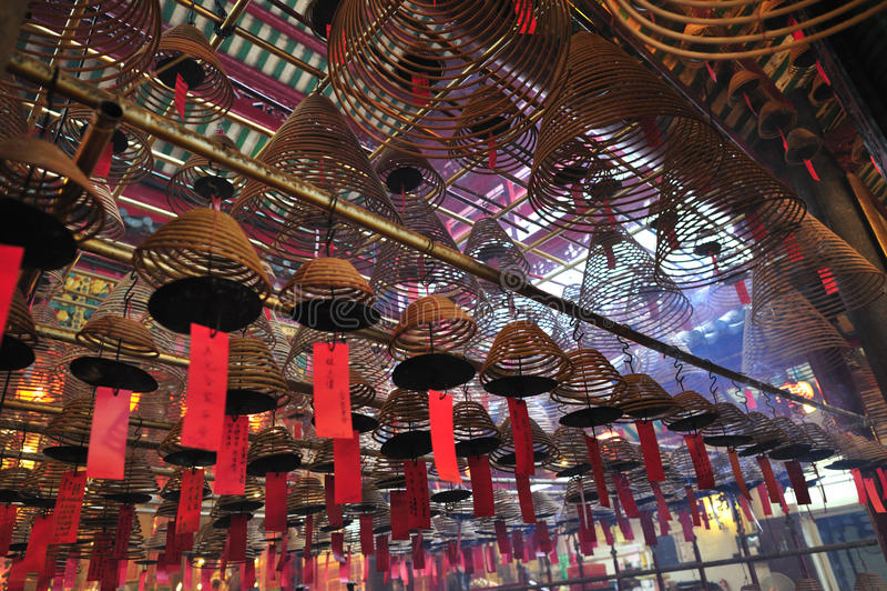 Incense los espirales en el templo del MES del hombre, Hong-Kong fotografía de archivo libre de regalías