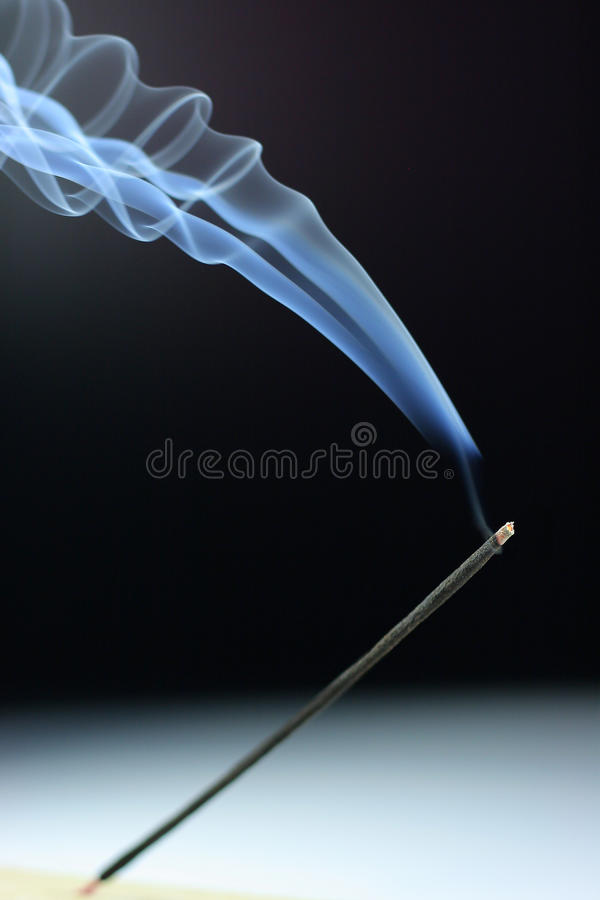 Incenso de fumo imagens de stock