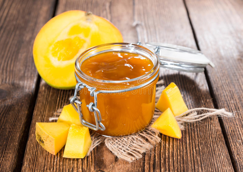 Inceppamento casalingo del mango fotografie stock