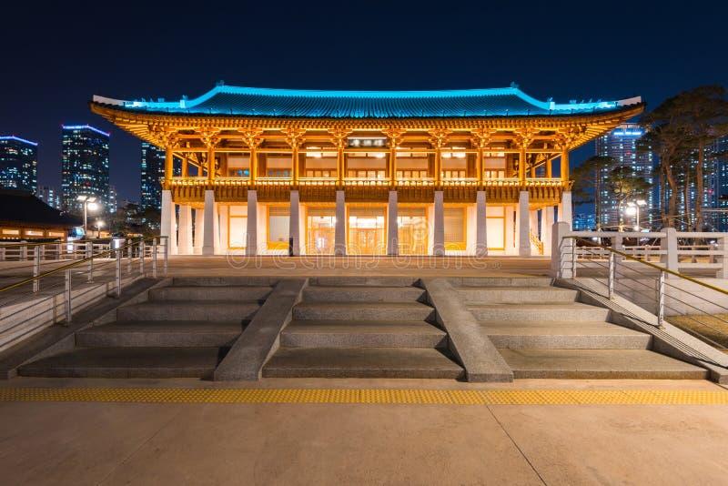 Incheon, architecture coréenne traditionnelle de style la nuit à Incheon, Corée image stock