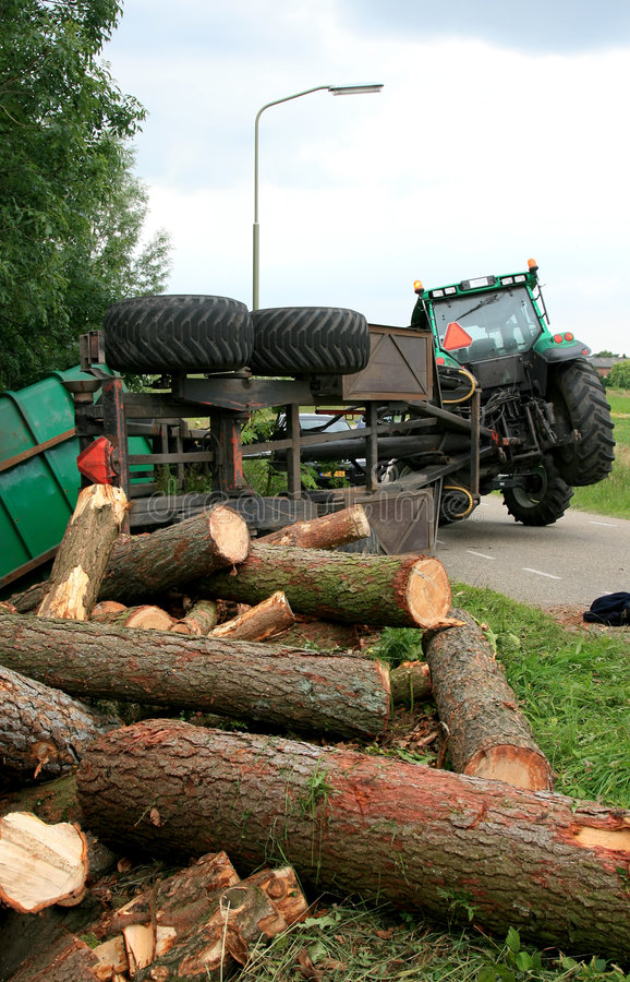 Incidente con il trattore fotografie stock libere da diritti