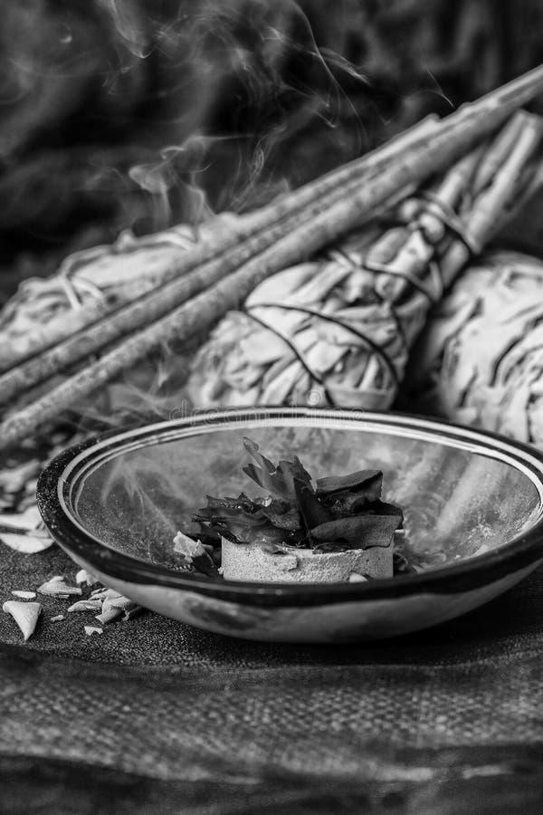 Incienso de Salvia Apiana imagenes de archivo