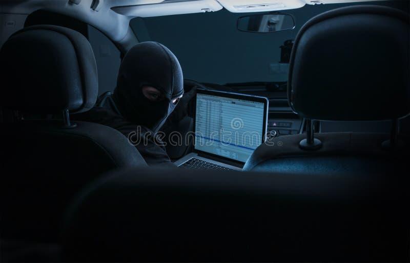 Incisione dei sistemi interni dell'automobile immagine stock libera da diritti