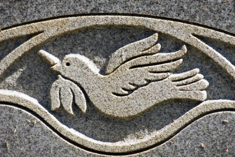 Incisione della colomba di pace fotografia stock