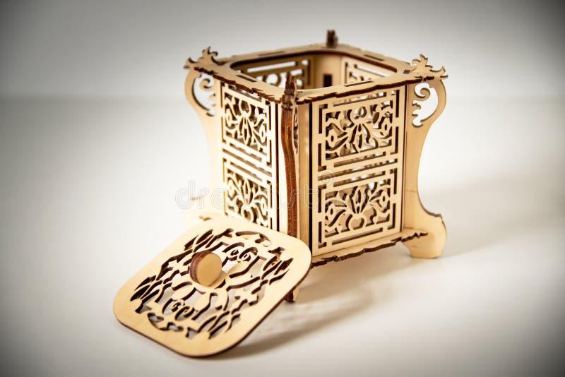 Incisione della scatola di legno fotografia stock libera da diritti