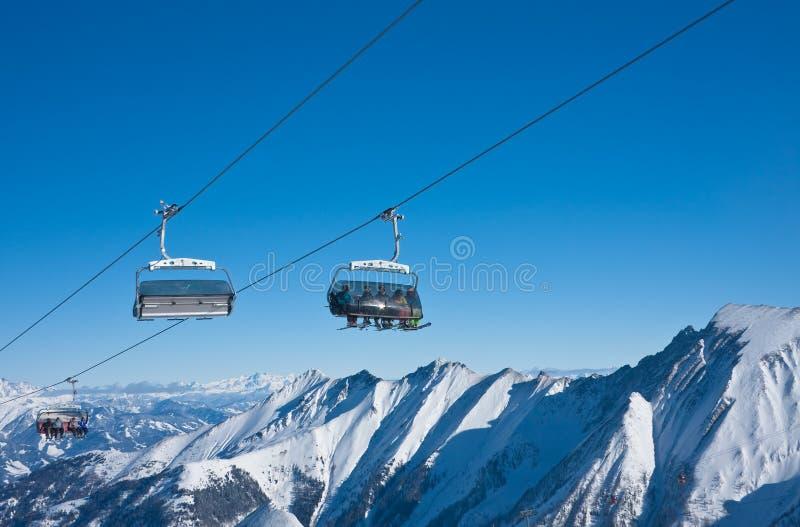 Inclinações da estância de esqui, Kaprun, alpes austríacos foto de stock