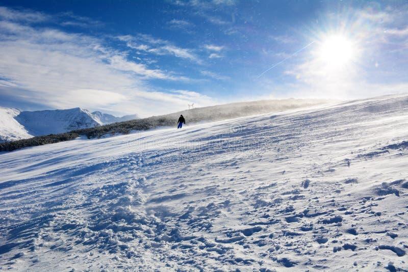 Inclinações do esqui em Bulgária, Borovets fotografia de stock