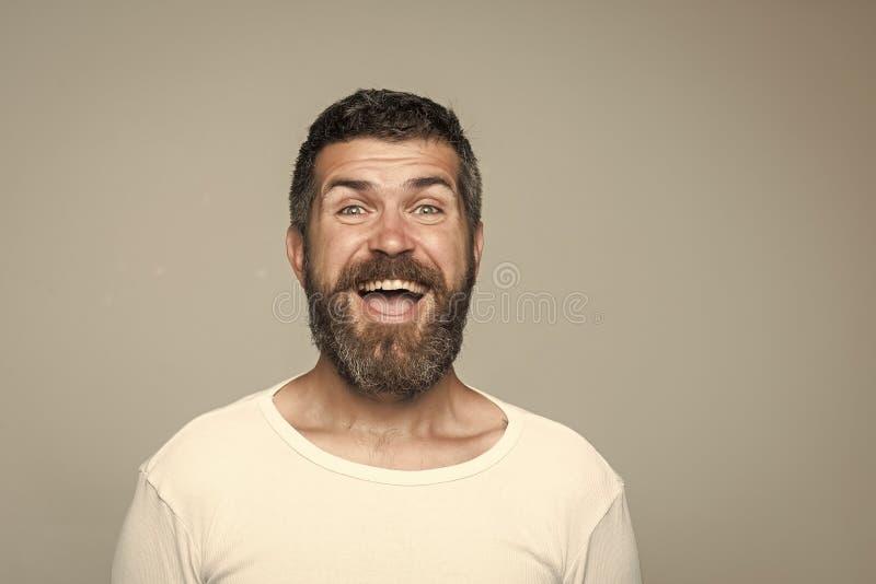 Inconformista con la cara feliz imagen de archivo