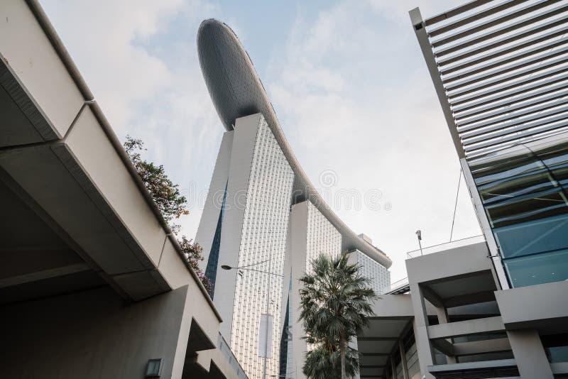 Incre?blemente hermosa vista de la bah?a de Singapur Paisaje urbano de la metr?poli asi?tica Edificios y estructuras modernos foto de archivo libre de regalías