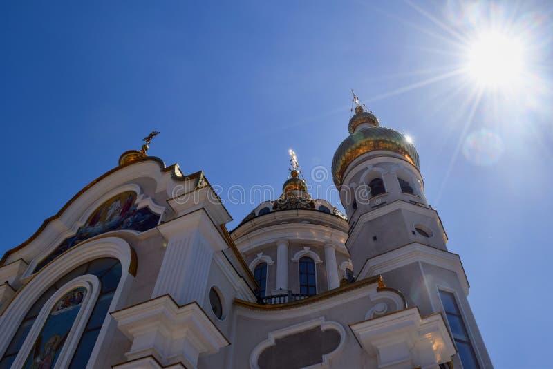 Download Incroci Ortodossi Sulle Cupole Dell'oro Immagine Stock - Immagine di limite, monastery: 117980279