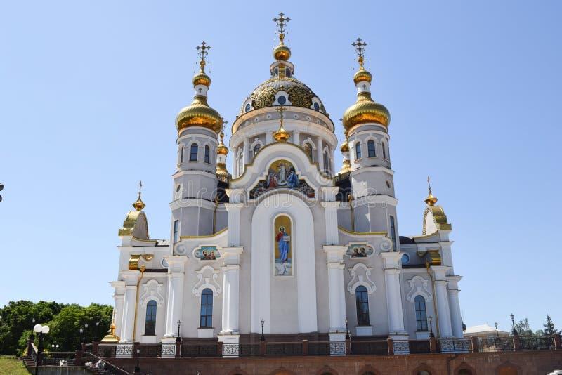 Download Incroci Ortodossi Sulle Cupole Dell'oro Immagine Stock - Immagine di tutti, monastery: 117980335