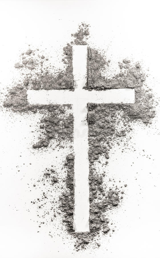 Incrocio cristiano fatto della cenere fotografia stock