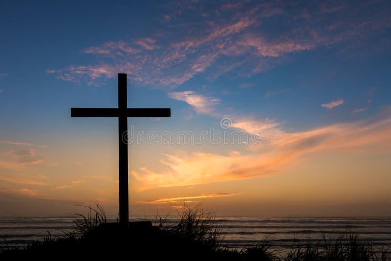 Incrocio di salvezza di tramonto di crepuscolo fotografia stock libera da diritti