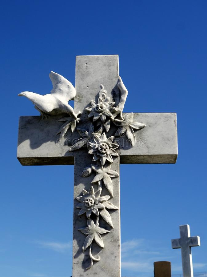 Incrocio funerario di pietra fotografia stock