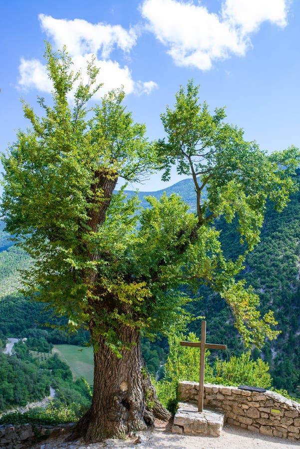 Incrocio, montagna in Brantes fotografie stock libere da diritti