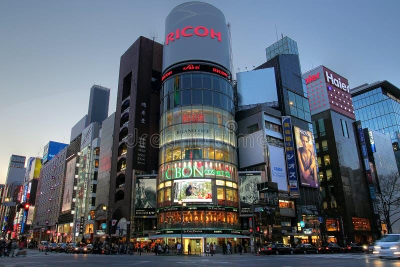 Incrocio yon-chome di Ginza, Tokyo, Giappone immagine stock libera da diritti