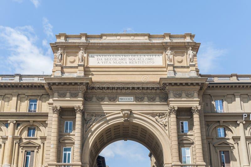 Incurvi al della Repubblica della piazza a Firenze, Italia fotografia stock