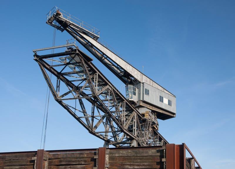 Indústria Crane Blue Sky do porto imagem de stock