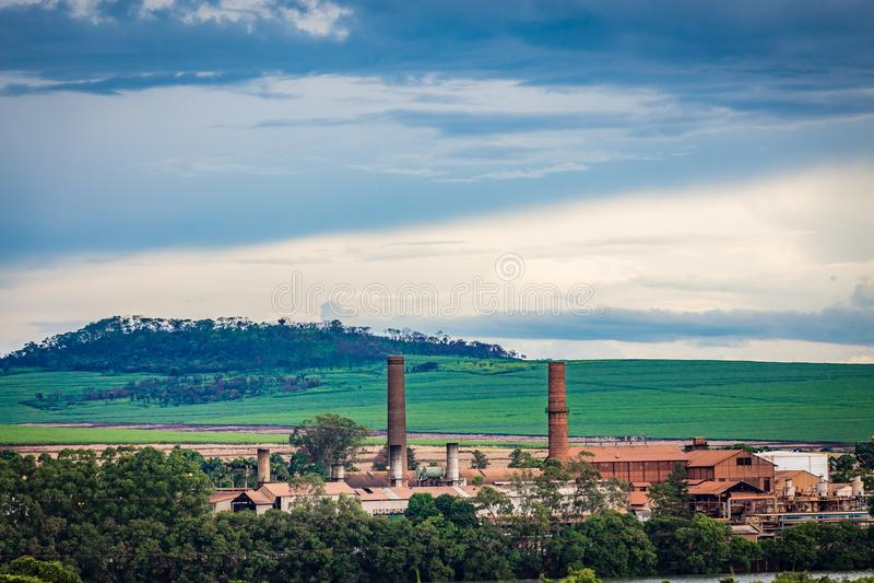 Indústria da fábrica do cana-de-açúcar - Sao Paulo, Brasil fotografia de stock