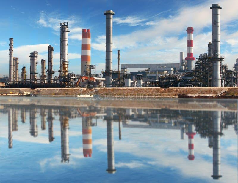 Indústria de petróleo e gás - instalação petroquímica imagem de stock royalty free