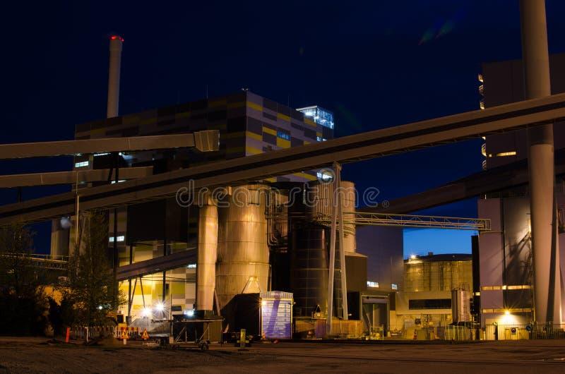 Indústria energética na noite fotos de stock royalty free