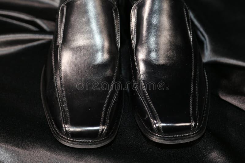 Indústria luxuosa das sapatas e de roupa da forma do Menswear foto de stock royalty free