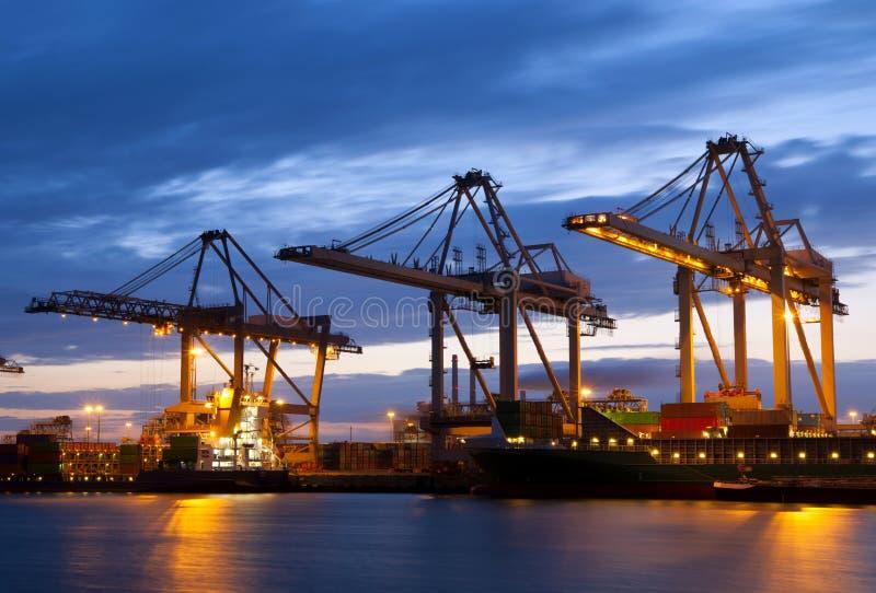 Indústria no porto de Rotterdam foto de stock