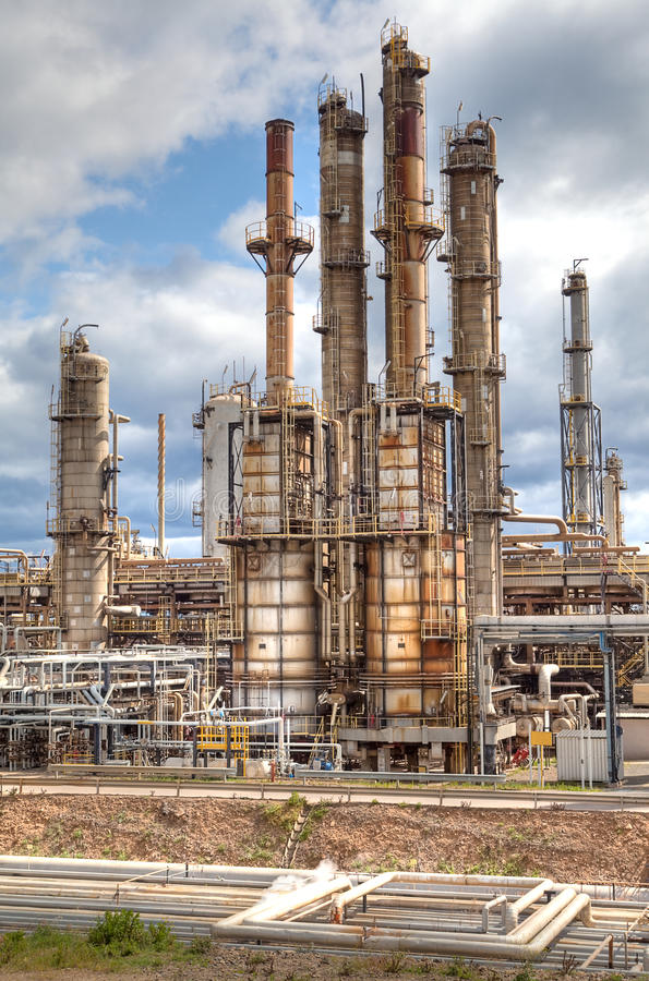 Indústria petroquímica da refinaria de petróleo fotos de stock