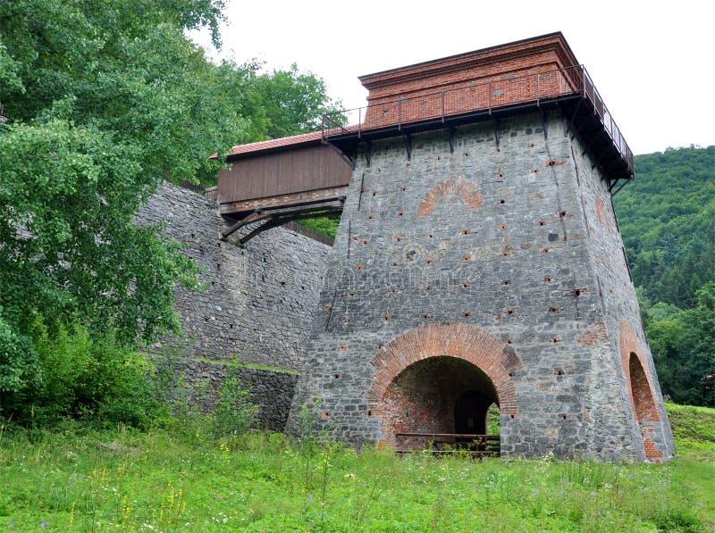 Indústrias siderúrgicas velhas, Adamov, República Checa, Europa fotografia de stock