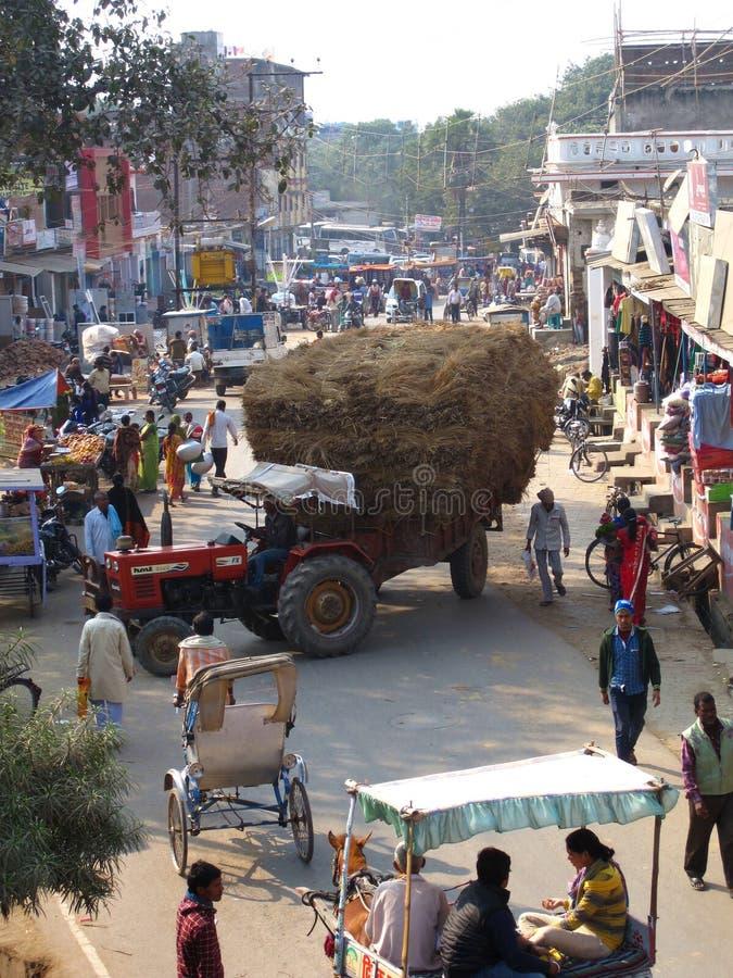 Inde occupée 2 de rue de village rural photographie stock libre de droits