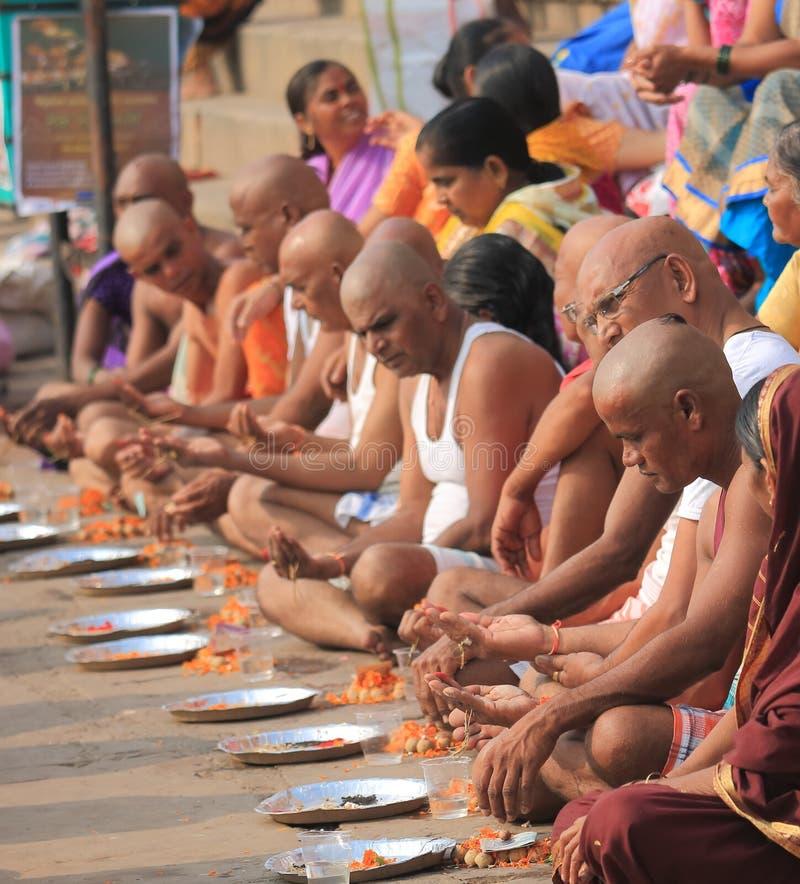Inde religieuse de Varanasi de chant du Gange photographie stock libre de droits