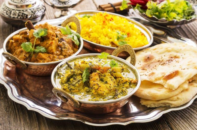 Indiër kruidt met Rijst en Brood met kerrie royalty-vrije stock foto's