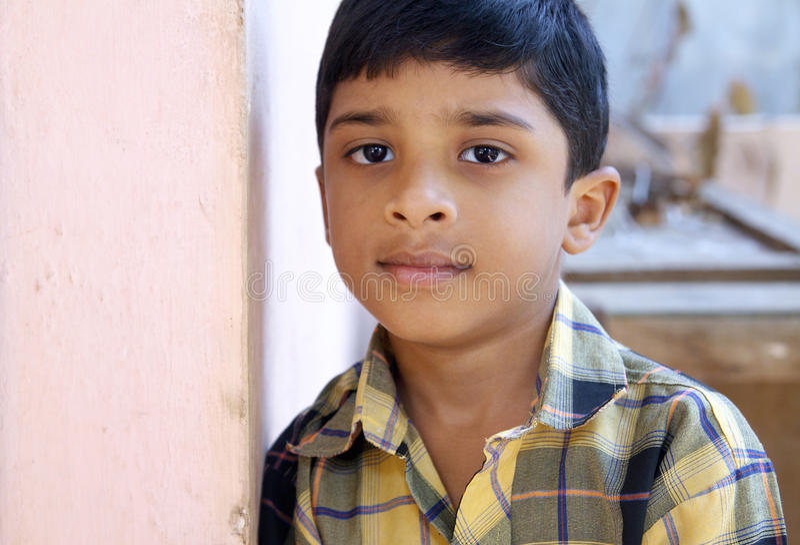 Indiër weinig jongen stock foto