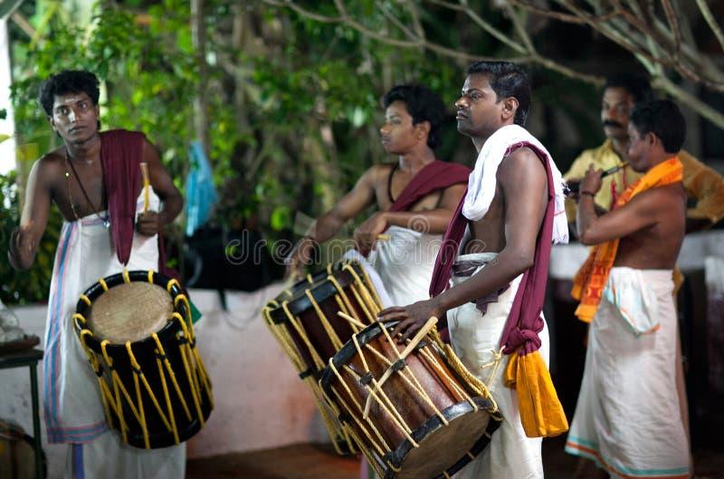 Indiańscy dobosze w Kerala, Południowy India obrazy stock