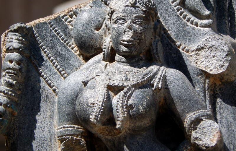 Indiańscy Hinduscy Architektoniczni szczegóły kamienni cyzelowania w antycznej świątyni zdjęcie stock