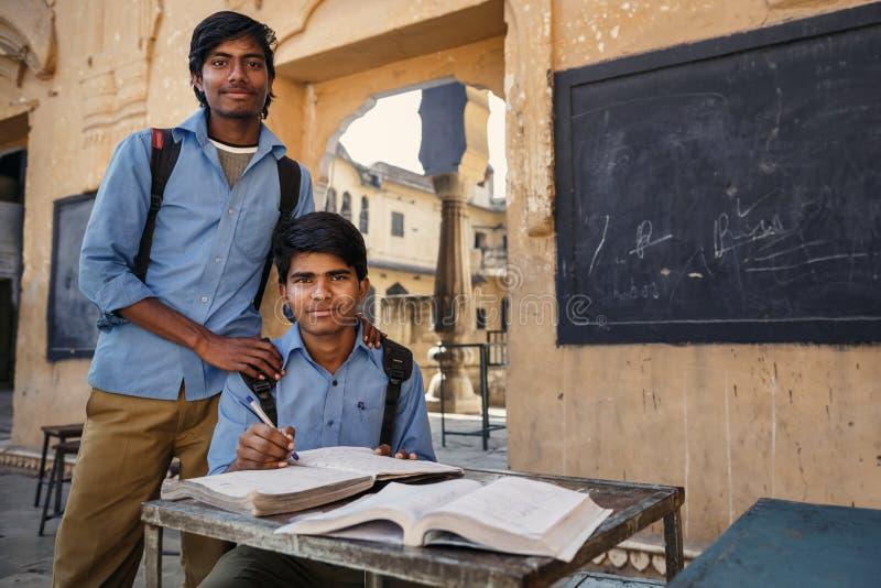 Indiańscy ucznie z książkami w Jaipur obraz royalty free