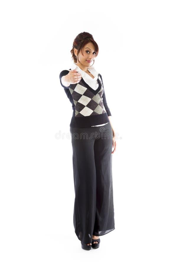Download Indiańska Młoda Kobieta Daje Ręce Dla Uścisku Dłoni Odizolowywającego Na Białym Tle Zdjęcie Stock - Obraz złożonej z tylko, długość: 41951032