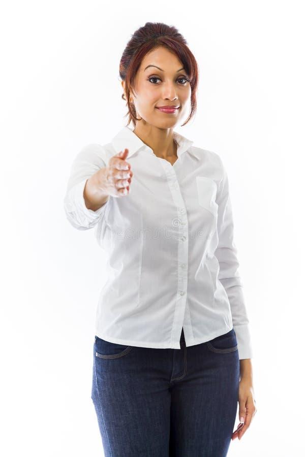 Download Indiańska Młoda Kobieta Daje Ręce Dla Uścisku Dłoni Odizolowywającego Na Białym Tle Zdjęcie Stock - Obraz złożonej z błękitny, komunikacja: 41951286